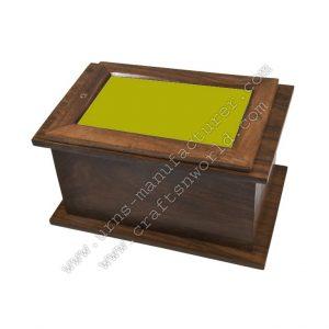 top wood urn